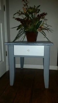 Broyhill side table North Little Rock