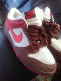 pair of white-and-red Nike shoes Los Angeles, 90018