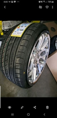 245 30 20 on the rear  and 235 30 20 on the fronts , 20x8.5 F 20x10R Toronto, M3K