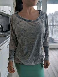 Guess Top Size S Vancouver, V6B 6G1