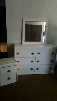 white wooden dresser with mirror Frazeysburg, 43822