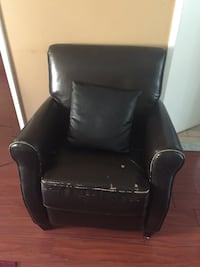 Pure leather chair and table  Laval, H7G