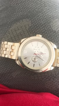 Round silver chronograph watch with link bracelet Clarksville, 37040