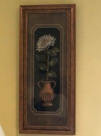Wall decor, shadow box, ceramic flower and vase Mississauga, L5L 2S5