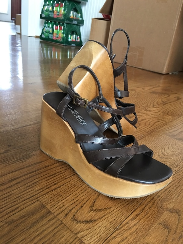 New Wooden Wedge Heels Shoes genuine leather 8.5 Nice Macy's not Walmart Made in Brazil 9502f098-13d6-4c99-9d0a-0de64f1f0b63