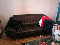 Excellent condition couch Toronto, M5V 3Y5