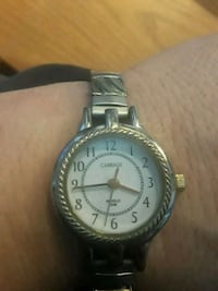 Carriage Timex lasts watch gold & silver tone Hayward, 94544