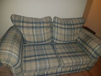 beige and green loveseat Repentigny, J5Y 2E3