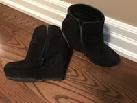Size 9 Black faux suede ankle high platform booties