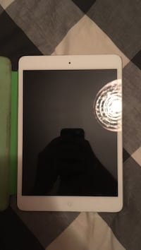 White ipad with green case. Battery would need to be replaced  Ottawa, K2K