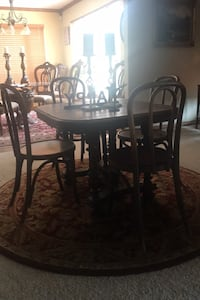 Antique table and 4 chairs Oklahoma City, 73165