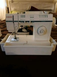 white Singer electric sewing machine Kannapolis, 28083
