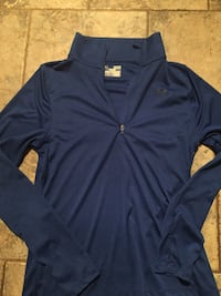 Underarmour light weight pullover  Lubbock, 79412