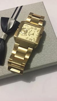 square gold-colored chronograph watch with link bracelet Surrey, V3V 7X9