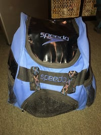 Vintage Speedo Backpack (in perfect condition other than torn CD holder) Roseville, 95678
