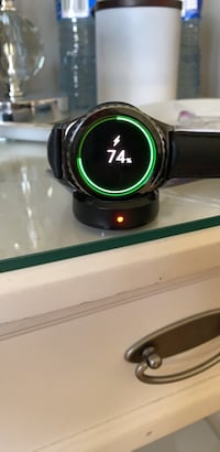 samsung gear s2 classic (negotiable)