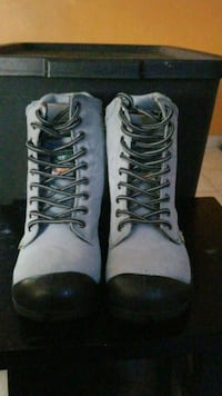 Girls work boots Kitchener, N2A 2P1