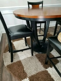 Dining table and 5 chairs  Huntersville, 28078