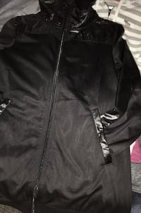 Size small - unisex- New never worn/ PUMA Black Zip Up sweater   Can definitely be a Unisex sweater Edmonton, T5A