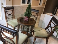 5 piece beautiful dining room set and more! St. Catharines, L2W 1B2