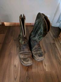 Real cowboy boots - well worn mens size 10 Maple Ridge, V2X 5K2