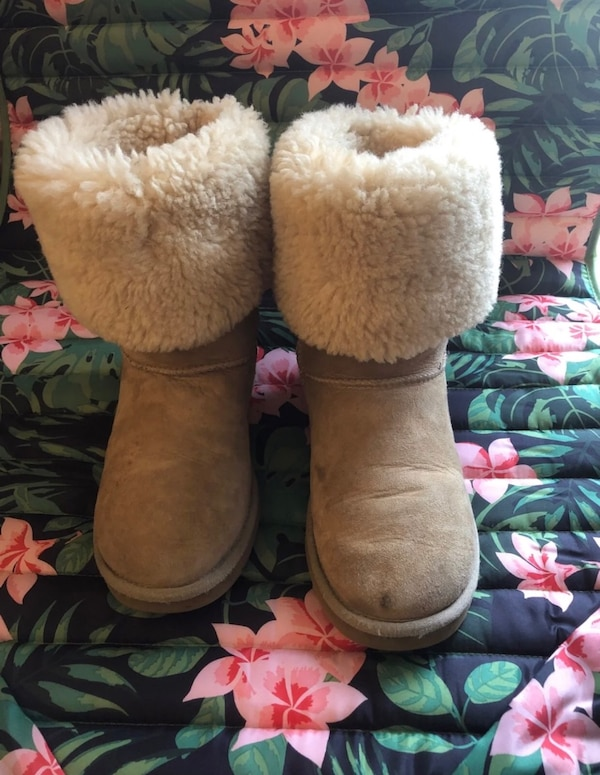 Used Tall Uggs For Sale In Raleigh Letgo