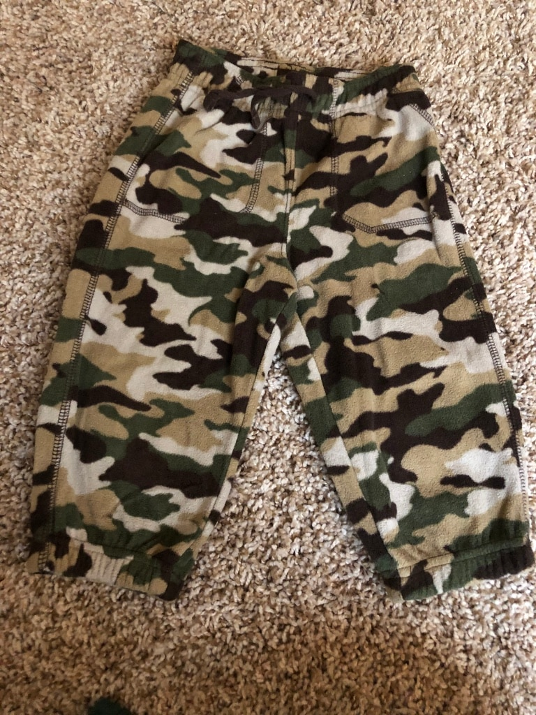 Photo Size 18 month camo fleece pants