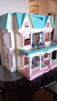 Fisher Price big doll house