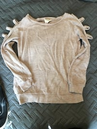 Light pink cut out sleeve sweater