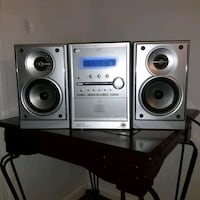 JVC stereo with a 5Disc DVD/CD changer