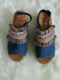 New sandals. Size 9
