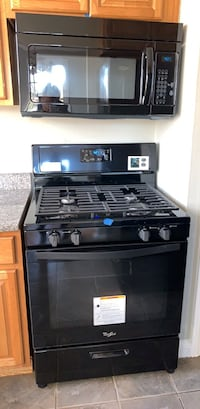 Whirlpool stove and microwave Suitland, 20746