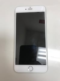 UNLOCKED Silver iPhone 6 Plus with case Chicago, 60640
