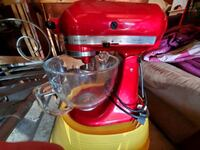12 cup red kitchenaid mixer. with dough hook and p Vancouver, 98664