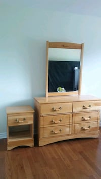 Dresser with mirror and night stand Dollard-des-Ormeaux, H9B 3E3