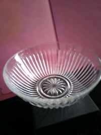 round clear glass bowl