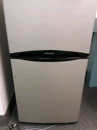 Mid size refrigerator /freezer  Virginia Beach, 23452