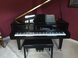Mid-Sized Gorgeous Black Yamaha Baby Grand Piano