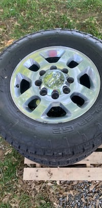Chevy Wheels off a 2014 HD 2500 truck Woodbine, 21797