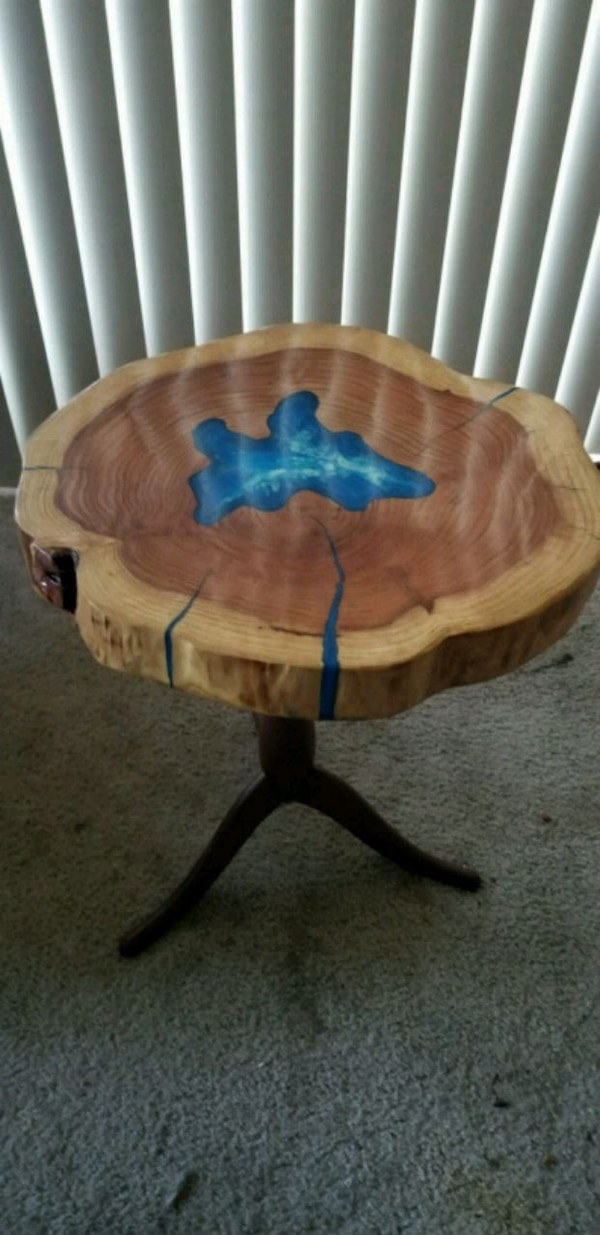 e9d26517e0401a brown and blue wooden table
