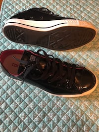 Women's Black Patent leather Converse tennis shoes size 6 Belton, 76513