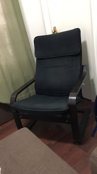 black and gray rolling chair