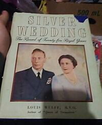 Silver wedding book for the queen Brampton, L6S 2M5