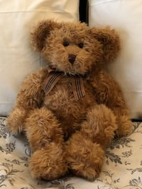 Brown bear plush toy 12 in from ears to tail in sitting position Los Angeles, 90005