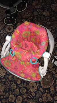 baby's pink and green seat me up floor seat Fresno, 93702