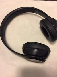 Black beats by dr dre headphones