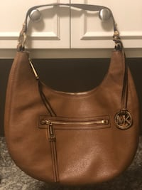 Michael Kors Leather Hobo Purse 595 mi