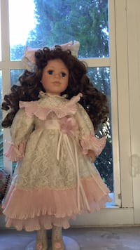 Porcelain doll with stand Pembroke Pines, 33025