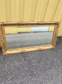 Beautiful gold framed mirror Sykesville, 21784