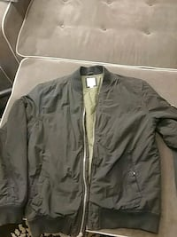 GAP bomber jacket likenew Size Medium Men's Vancouver, V5X 1R8